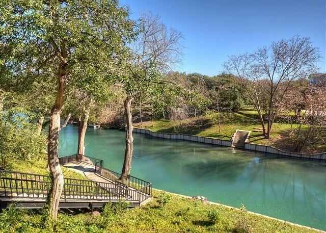 Winter Texans New Braunfels Vacation Rentals River