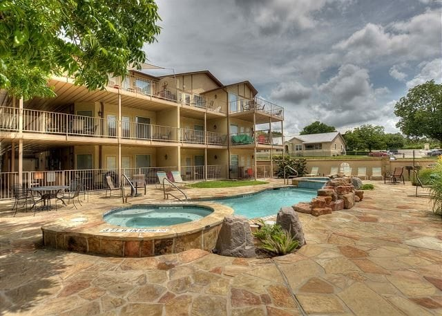 New braunfels condos comal river vacation rentals river - 2 bedroom suites in new braunfels tx ...